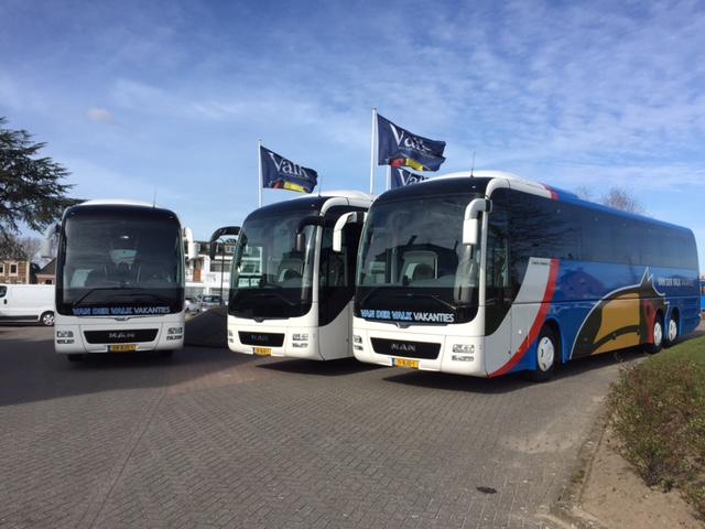 bussen wagenpark touringcars tourbussen valk tours